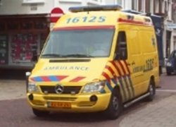 Normal_ambulance_weg