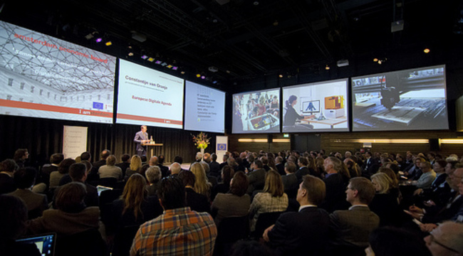 Carousel_congres_publiek__compfight_