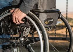 Normal_wheelchair-749985_960_720